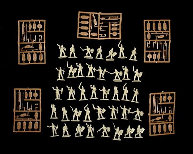 Ancient German Tribesmen -- 119 pieces  (040) <FONT COLOR=#CC0000>(25mm) </FONT>