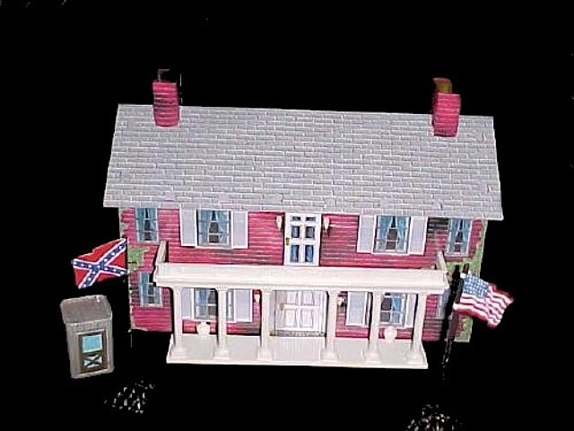 Civil War Mansion (15''L x 9''H x 5''W) w/porch, Union and Confederate flags, 2 flag poles w/bases and outhouse  <font color=#CC0000>(54mm) </FONT>