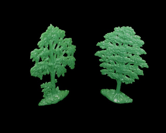 Trees (unpainted) 2 in 2 poses <FONT COLOR=#CC0000>(54mm) </FONT>