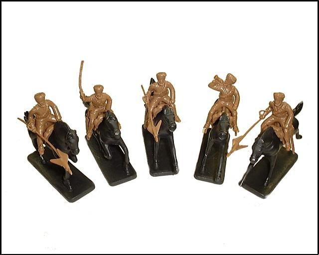Indian Lancers 5 figures in 5 poses w/5 horses (tan)  (5476) <FONT COLOR=#CC0000>(54mm) </FONT>