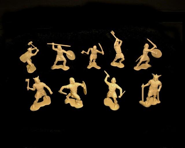 Vikings 25 figures in 9 poses (tan)  <font color=#CC0000>(54mm) </FONT>
