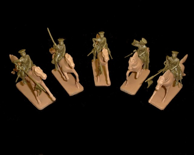 WWI British Lancers 5 figures in 3 poses w/horses (green) (5540) <FONT COLOR=#CC0000>(54mm) </FONT>