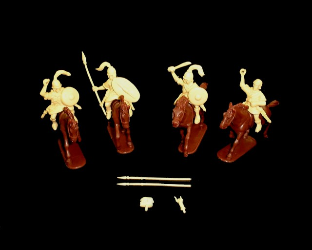Spanish Cavalry and Command 8  figures in 4 poses w/horses (9055) <FONT COLOR=#CC0000>(54mm) </FONT>