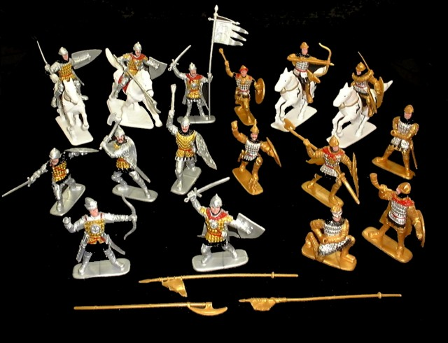 Russian Knights 16 figures in 16 poses w/4 horses  (painted) <FONT COLOR=#CC0000>(60mm) </FONT>