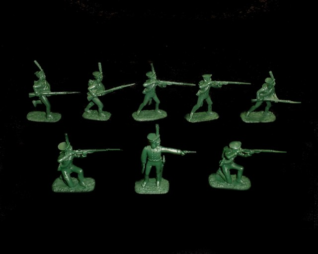 Russian  Infantry 16 in 8 poses (green) (5491) <FONT COLOR=#CC0000>(54mm) </FONT>