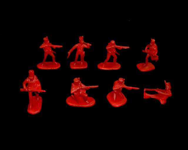 British Infantry Rifles 16 figures in 8 poses (red) (5505) <FONT COLOR=#CC0000>(54mm) </FONT>
