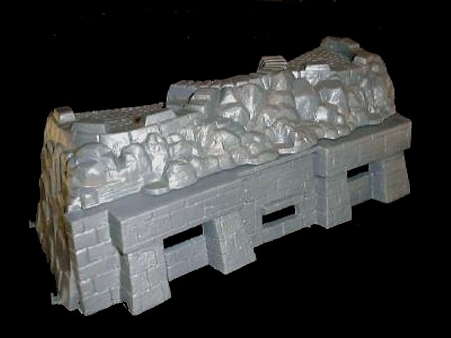 Concrete Bunker System: 14''L x 3.75''D x 4.25''H gun emplacement on bottom w/3 machine gun nests on top  <font color=#CC0000>(54mm) </FONT>