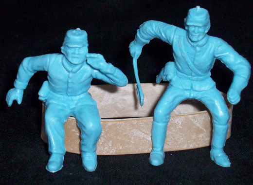 MARX Union Caisson Outrider + seated wagon driver(original) 2figure in 1 poses(flat light blue)  <font color=#CC0000>(54mm) </FONT>