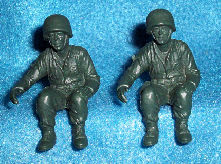 Marx original 54mm seated Marines 2  figures in 1 pose, dark green