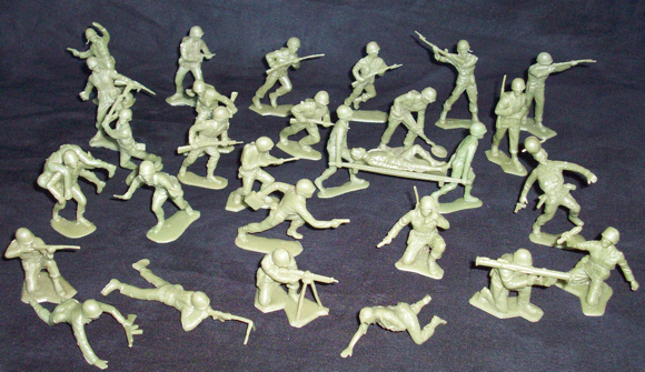 Marx vintage 54mm WWII US GI's,33 figures with casualties and stretcher  (original)