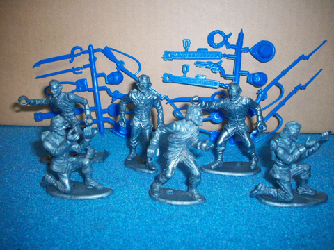MPC Yanks original in metalic blue 6 in all 4 poses + weapons