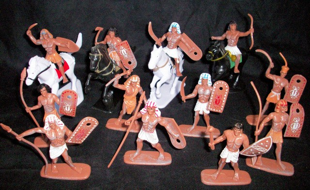 Egyptian Infantry 12 figures w/4 horses  (painted) <FONT COLOR=#CC0000>(54mm) </FONT>