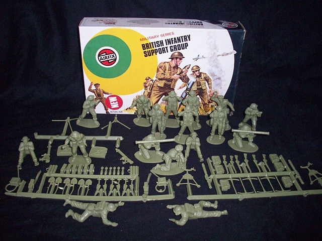 British Infantry Support  (original -1st version box early 1970's) 17 figures w/58 accessories <FONT COLOR=#CC0000>(54mm) </FONT>