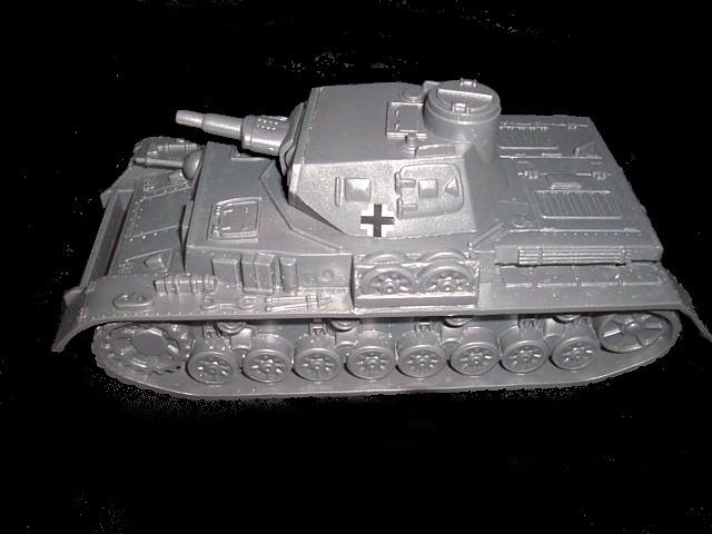 German Panzer IV Tank (short barrel) (gray) w/insignia <font color=#CC0000>(54mm) </FONT>