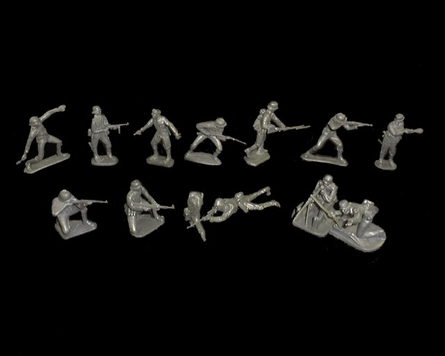WWII Germans 12 figures in 12 poses (gray)  <font color=#CC0000>(54mm) </FONT>