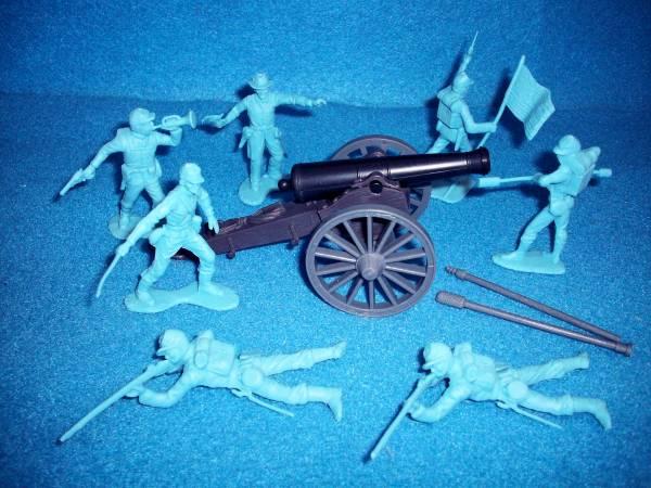 American Civil War and Napoleonic 12lb Cannon with Union artillery crew