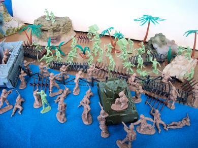 WWII Pacific Playset Special-- 104 pieces -- ($20 s&h) <FONT COLOR=#CC0000>(54mm) </FONT>