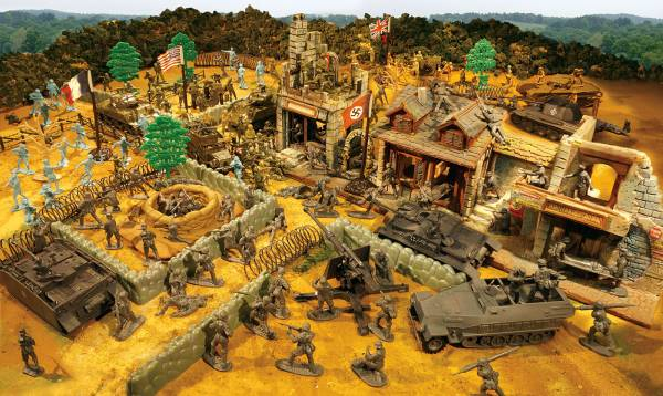 Giant Battleground Europe Playset --- 210 pieces---(Shipping $55.00- Two box set)  <font color=#CC0000>(54mm) </FONT>