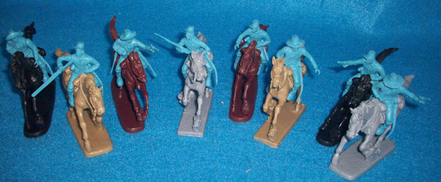 Civil War/Western Cavalry 8 figures in 8 poses w/16 separate arms (light blue) and 8 horses <FONT COLOR=#CC0000>(54mm) </FONT>