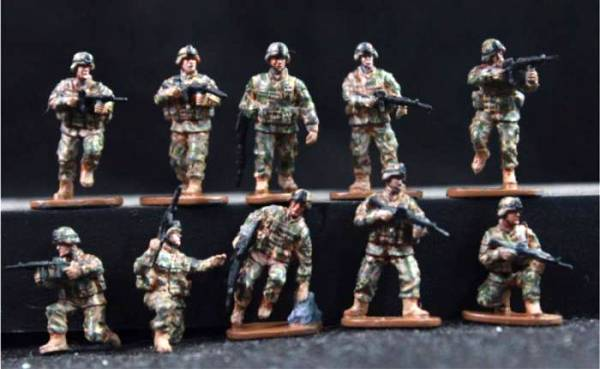 Caesar Modern US Soldiers in Action 24 figures (1:72 scale) (25mm) (HB11)