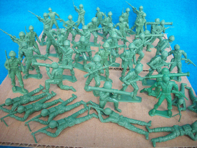 MPC vintage WWII US soldiers,45 figures,7 poses green (2