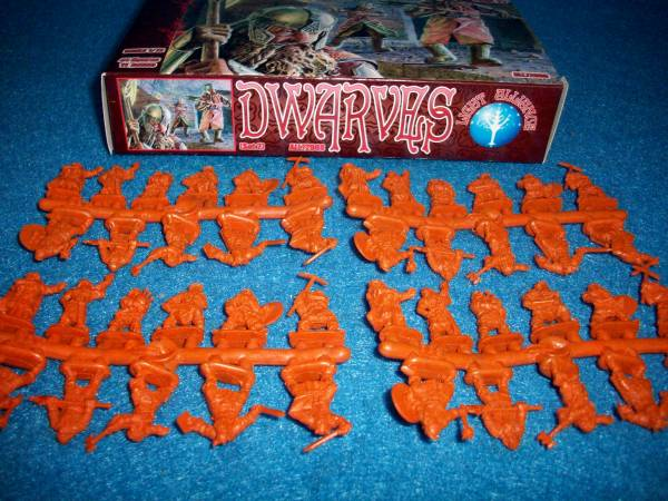 Dark Alliance Dwarves Set #2 44 figures in 11 poses 1:72 scale (72008)