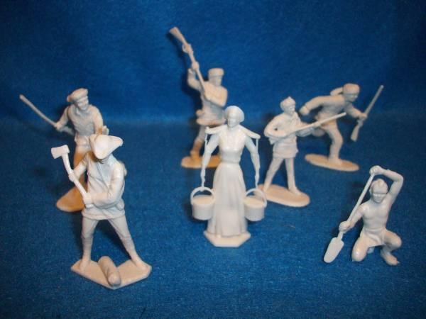 Marx American Frontier family figures,10 in 7 poses, cream (54mm)