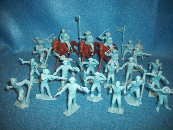 Cavalrymen/frontiersmen + horses by Marx reissues of 1950's, 50mm, light blue