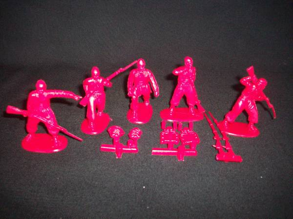 HAT Industries Civil War Zouves set #2, 18 figures in 5 poses (red) 1:32 scale (9101)