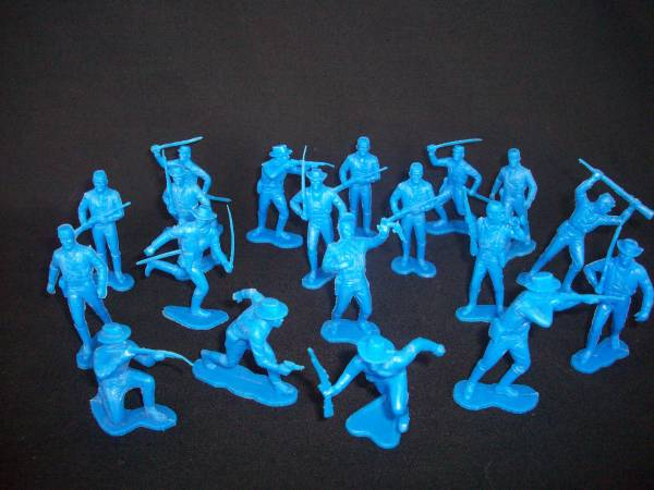 Vintage MARX 7th Cavalry on foot 19 figures in 12 poses,blue (54mm)