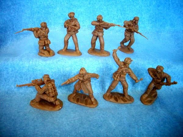 Classic Toy Soldiers, Inc Korean War set #1 Chinese, 16 figures in 8 poses in 1:32 scale (54mm)