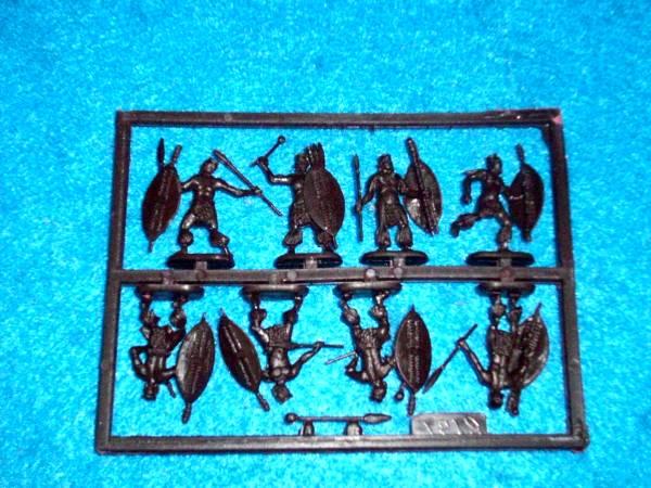 Zulu Warriors -- 32 pieces  (8191) <FONT COLOR=#CC0000>(25mm) </FONT>