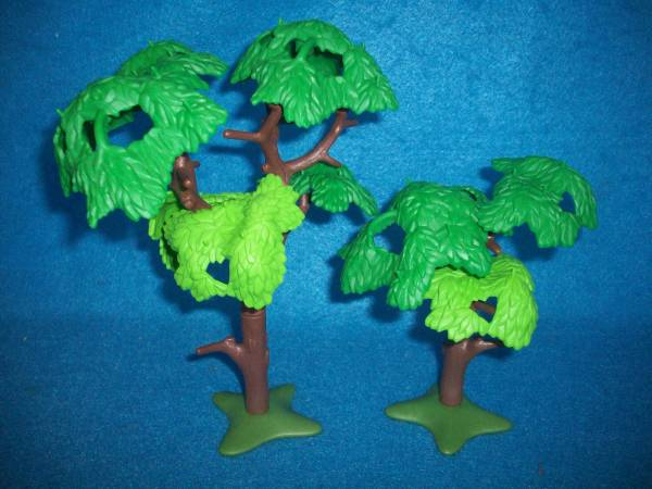 Deciduous trees #7632 by Playmobil,plastic (1/32)