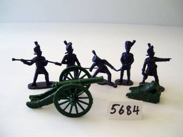 Armies in Plastic Napoleonic War French Old Guard Foot Artillery with 6 pounder and land mortar, 54mm (5684)