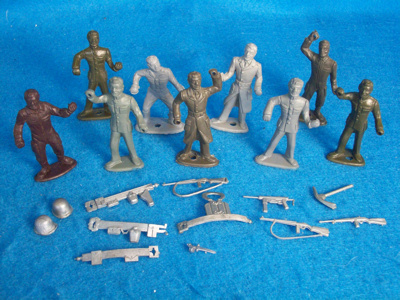 MPC WWII GI's (original) 9 figures green+gray,7p oses,and 12 weapons/accessories silver