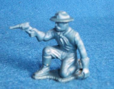 Marx Rin Tin Tin Fort Apache 60mm US cavalry kneeling firing pistol  (original)
