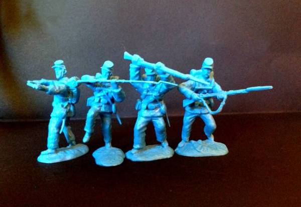 Paragon Scenic Civil Union Infantry 12 Figures in light blue 54mm scale