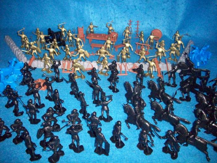 Marx Medieval Knights Battle set, 54mm,135 pieces