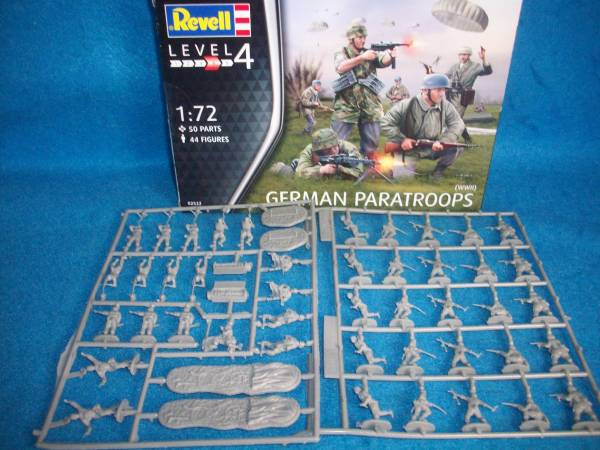 Revell German Paratroopers 50 pieces (25MM)