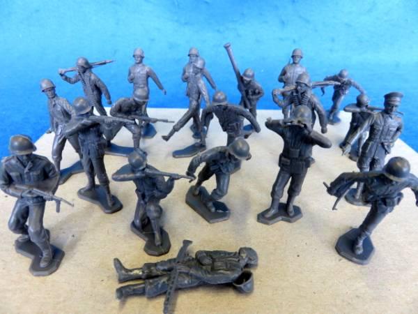 Marx original WWII dark gray German infantry, 20 figures in all 13 poses (54mm)