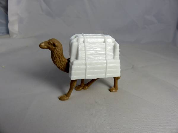 Marx Captain Gallant camel with pack, tan+white