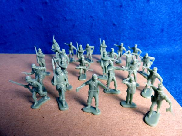 Captain Gallant French Foreign Legion HO remakes, 25 in 10 poses