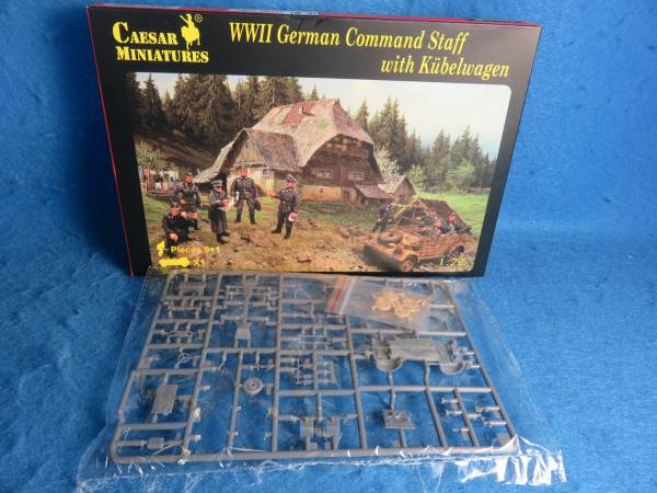 Caesar WWII German Command Staff with Kubelwagon (#095) 1:72 scale (25mm)