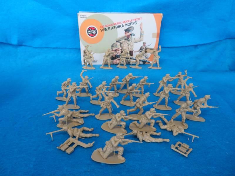 Airfix Vintage 54MM WWII German Afrika Korps 29 figures