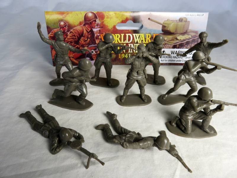 WWII Russian Infantry 20 figures in 10 poses