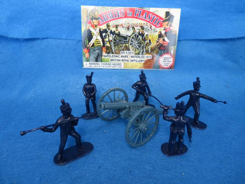 British Royal Artillery 5 in 5 poses (dark blue) and cannon (5431)   <font color=#CC0000>(54mm) </FONT>