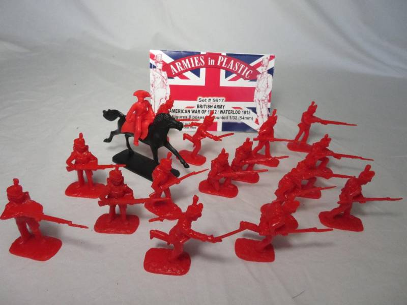 American War of 1812/Waterloo 1815 British Army 16 infantry in 8 poses+ 1 mounted (5617B) (54mm) in (red)