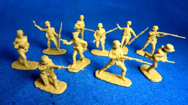 AIP5808 WWI Turkish Assault Troops (Tan) 20 in 10 Poses (54MM)