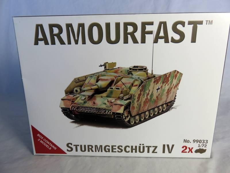 Armourfast WWII German Sturmgeschutz IV,  1:72 scale makes 2 (99033)