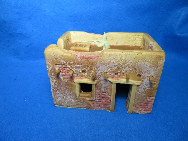 Adobe square building from Churubusco playset by Barzso,1/32, foam